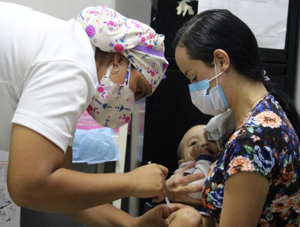 Mandatario Nacional saludó al gremio de enfermería en su día